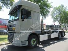 DAF konténerszállító teherautó XF105