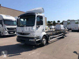 Camión Renault Midlum 270.13 furgón transporte de bebidas usado