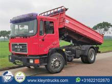 Camión MAN M 90 volquete volquete trilateral usado