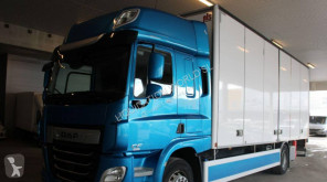 Camion DAF CF 370 FA Closed box truck with liftgate fourgon occasion