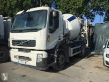 Ciężarówka betonomieszarka Volvo FE 340