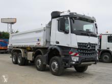 Caminhões Mercedes Arocs 4145 8x8 4-Achs Kipper Bordmatik deutsch basculante tri-basculante usado