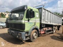 Camión volquete benne TP Mercedes SK 2435