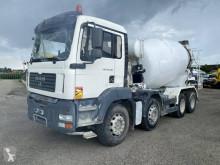 Teherautó MAN TGA 32.360 balesetes betonkeverő beton