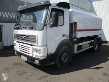 Camion citerne Volvo FM7 290