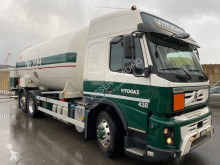 Camion Volvo FMX cisternă second-hand