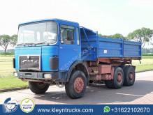 Camion tri-benne MAN 26.280