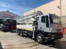 Camion béton pompe à béton Iveco Trakker 350