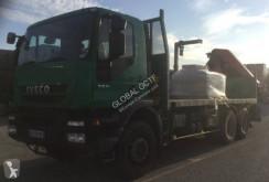 Camión caja abierta estándar Iveco Trakker AD 260 T 33