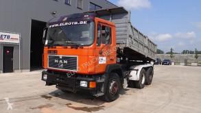 Camión MAN 26.322 volquete usado