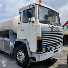 Camión cisterna Scania 111