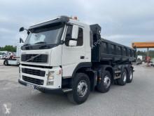 Volvo hátra és egy oldalra billenő kocsi teherautó FM 450