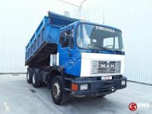 Camião MAN 26.322 basculante usado