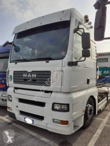 Camion châssis MAN TGA 26.440