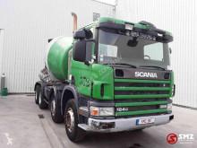 Camion béton toupie / Malaxeur Scania 124 360 manual pump