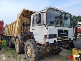 Kamión MAN KAT axle broken V8 korba ojazdený