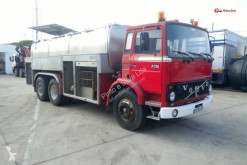 Ciężarówka cysterna Volvo F7