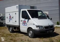 卡车 冷藏运输车 奔驰