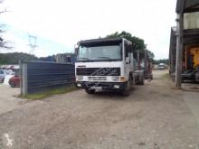 Camion polybenne Volvo FL10