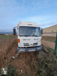 Camion Nissan Atleon 110.56 isotherme occasion
