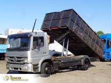 Camion benne Mercedes Atego 1524