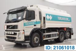 Camión cisterna productos químicos Volvo FM 360