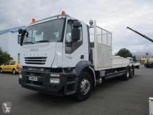 Kamión Iveco Stralis AD 260 S 31 Y/FS-D náves na prepravu strojov ojazdený