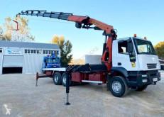 Camión Iveco Trakker 410 caja abierta estándar usado