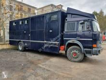 Ciężarówka do transportu bydła Iveco 175.24