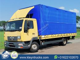 Vrachtwagen met huifzeil MAN L2000 8.180