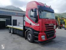 Kamión Iveco Stralis 260 S 42 náves na prepravu strojov ojazdený