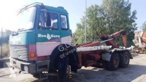 Iveco billenőplató teherautó 330.36