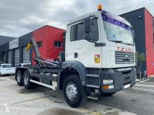 Camión Gancho portacontenedor MAN TGA 26.360