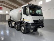 Kamión Mercedes Arocs 3240 betonárske zariadenie domiešavač ojazdený