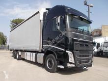 Camion savoyarde Volvo FH VOLVO 13