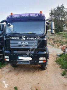 Камион самосвал за пътно строителство MAN TGA