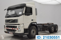 Caminhões chassis Volvo FM 300