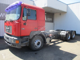 Camion MAN F2000 châssis occasion