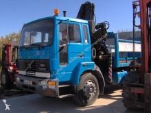 Camion plateau Volvo FS7 19