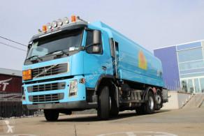 Camión Volvo FM12 cisterna hidrocarburos usado