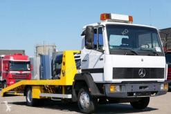 Camión de asistencia en ctra Mercedes 814
