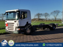 Camion fourgon Scania P 230