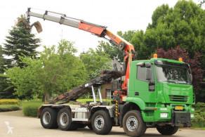Camion porte containers Iveco Trakker