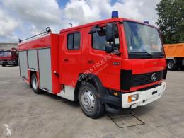 Mercedes tűzoltóság teherautó 1124