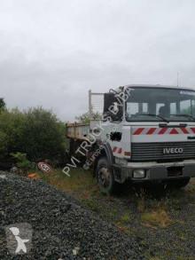 Camión Iveco Turbotech 190-26 T volquete usado