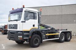 Kamión hákový nosič kontajnerov MAN TGA 26.410