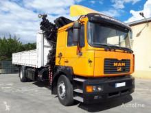 Kamion MAN 360 4X2 HIAB 245 E7 AÑO 2000 plošina bočnice použitý