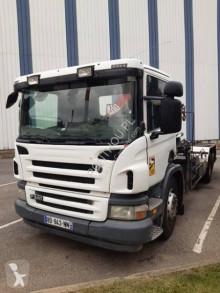 Kamión Scania P 340 hákový nosič kontajnerov ojazdený