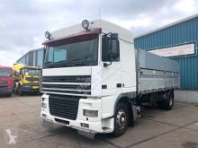 Vrachtwagen met huifzeil DAF 95