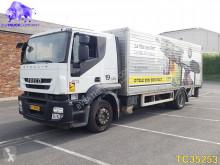 Caminhões Iveco Stralis furgão usado